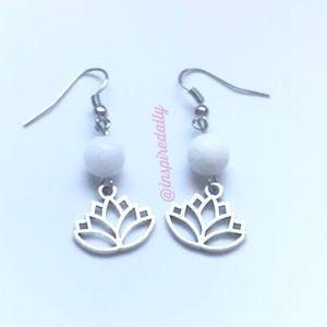 @inspiredaily Jewelry - Silver Tone Lotus Flower White Drop Earrings